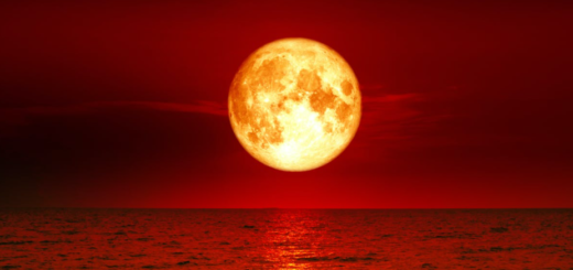 Red-blood-moon-day