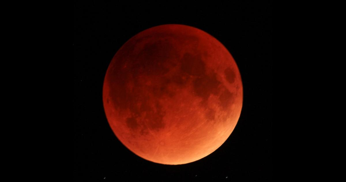 red-blood-moon-day-may-26